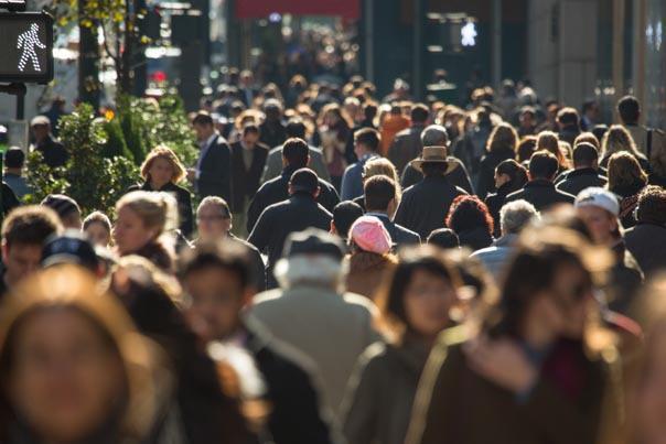 30% dintre români susţin că şi-ar părăsi oraşul pentru a se muta în alt loc din România. Care este motivul