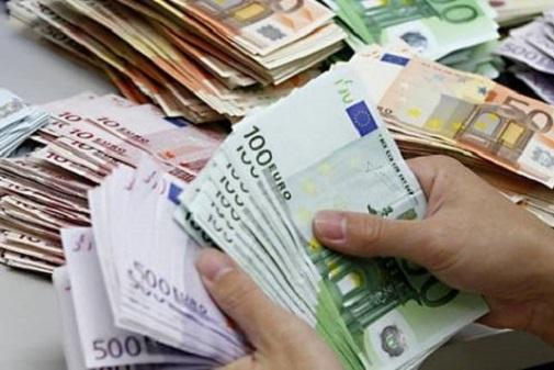 Câţi bani au cheltuit statele UE pentru a salva băncile de la faliment