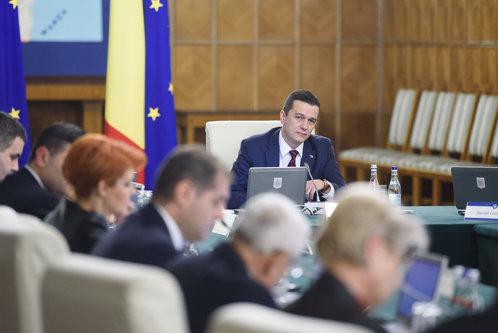 Guvernul Grindeanu anunţă excedent bugetar, deşi a încasat mai puţin ca anul trecut