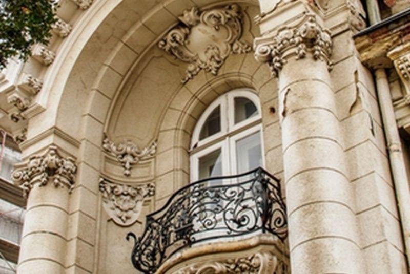 Două palate şi mai multe vile interbelice din Bucureşti, scoase la vânzare pentru milioane de euro