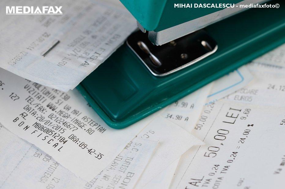 Ce face consultantul fiscal de familie şi cine îl plăteşte