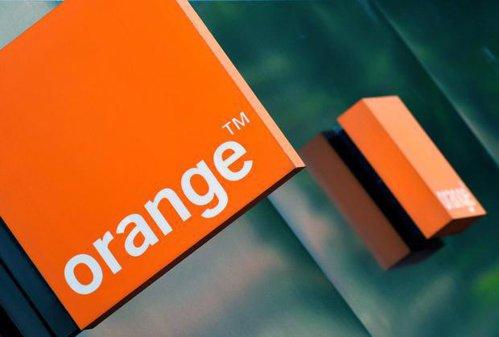 Orange intră pe piaţa bancară şi vrea să dea credite în România