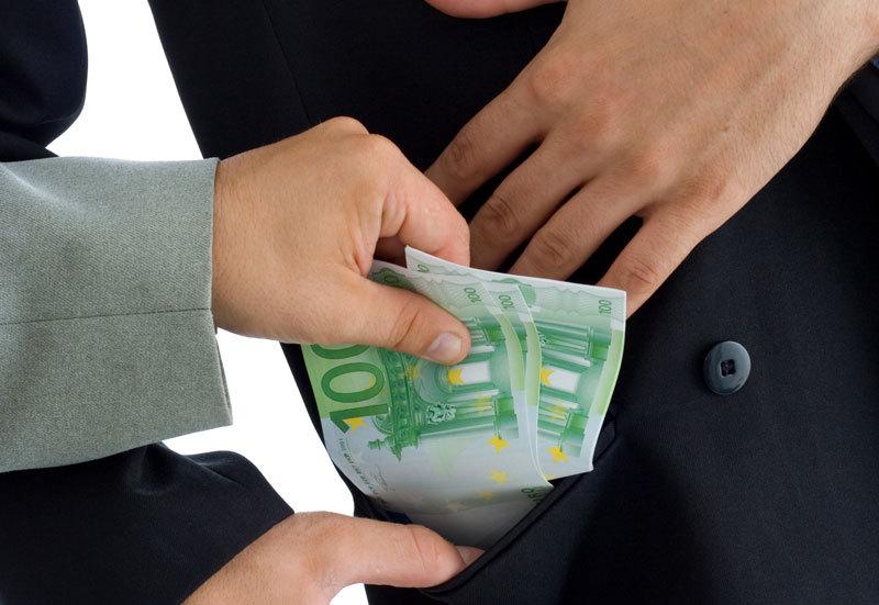 Cum vor să atragă Ungaria şi Slovacia investitorii. Prima măsură pe care au impus-o