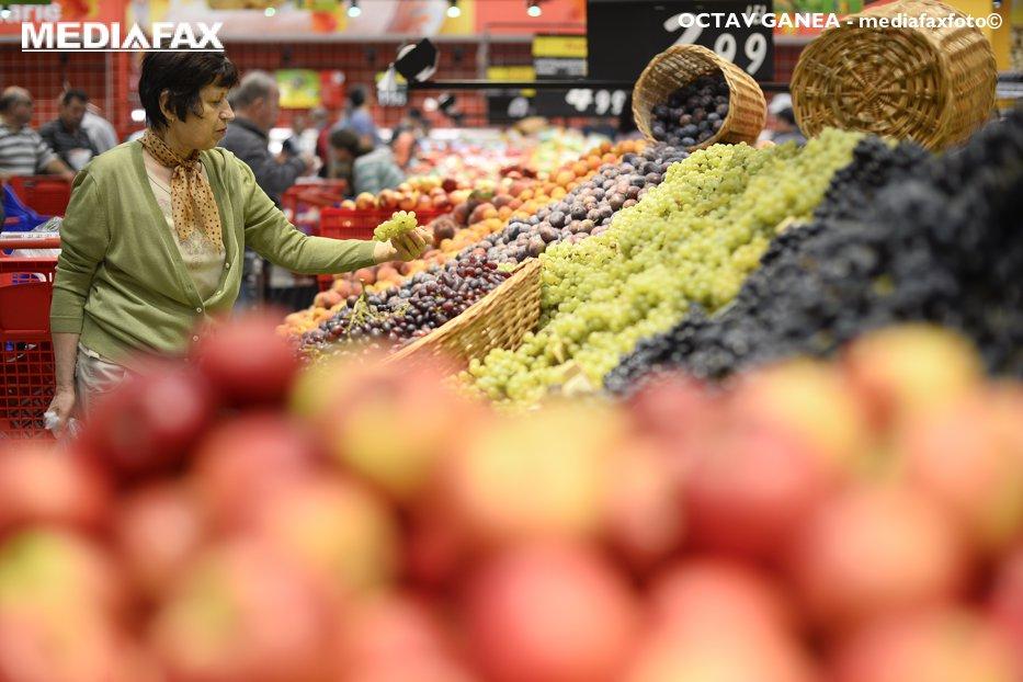 Carrefour a deschis trei noi supermarketuri