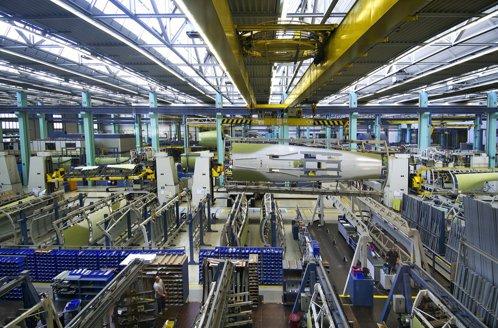 Americanii vând o afacere cu 10.000 de angajaţi în România şi Germania
