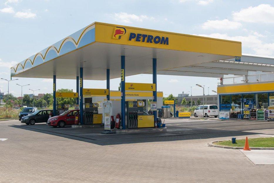 Senatul răstoarnă decizia comisiei de buget: supraacciza la carburanţi rămâne, conform ordonanţei Guvernului