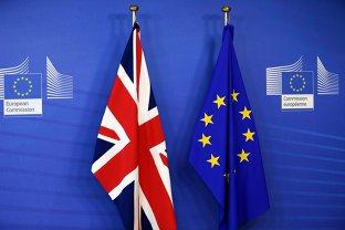 """UE pregăteşte """"cel mai ambiţios acord comercial"""", în cazul unei înţelegeri de Brexit. Ce i se pregăteşte Marii Britanii"""