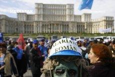 Analiză Bloomberg: Cea mai rapidă creştere economică din UE nu i-a făcut mai bogaţi pe români. Apar deja primele semne de îngrijorare