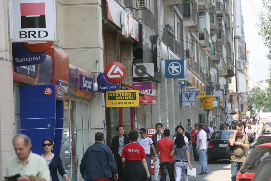 Una dintre cele mai mari bănci europene vine la Bucureşti