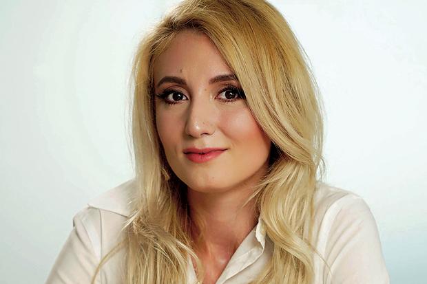 La 31 de ani această tânără a creat o AFACERE UNICĂ în România şi câştigă sute de mii de euro