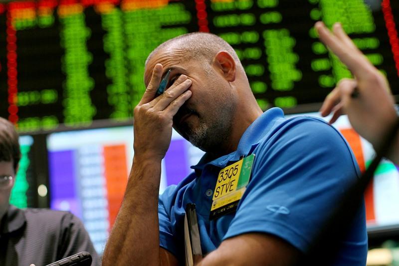 """Furtuna de pe pieţele financiare nu a trecut încă. O nouă scădere istorică la bursele din SUA şi Asia. """"Nu este sfârşitul lumii, dar este incomod"""""""