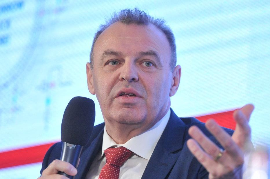 """Sfatul ministrului Transporturilor pentru constructori, după ce a vorbit de """"nevoia politică a PSD"""""""