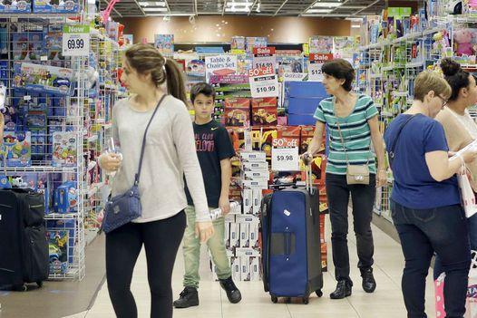"""Simbolul jucăriilor apune: Toys """"R"""" Us anunţă falimentul business-urilor din Statele Unite şi Canada. Cum stau magazinele din Europa şi Asia"""