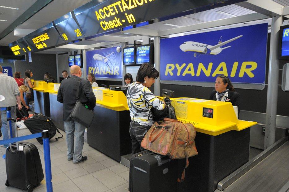 Ryanair face angajări în România pentru bazele sale din Europa. Ce salarii se oferă