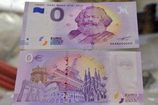"""Cât costă o bancnotă de zero euro cu chipul lui Karl Marx. """"Ne-am gândit că se potriveşte perfect cu ideologia lui"""""""