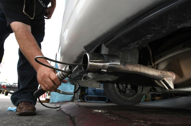 Unul din cei mai apreciaţi producători auto a minţit ani la rând în privinţa emisiilor şi a consumului. Înainte să iasă din fabrică, maşinile noi erau verificate de personalul necalificat