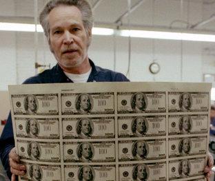 Probabil cea mai bună maşină de făcut bani din lume. Compania care nu a pierdut nici un ban din anul 1990 până astăzi