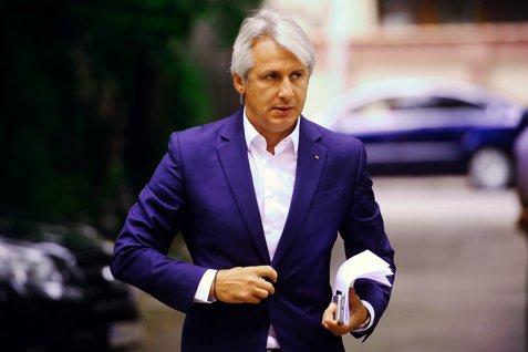 Ministrul român al Finanţelor, Eugen Teodorovici, preia preşedinţia Consiliului Guvernatorilor BEI
