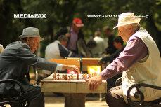 România ÎMBĂTRÂNEŞTE. În 2040, o treime dintre români vor avea peste 65 de ani