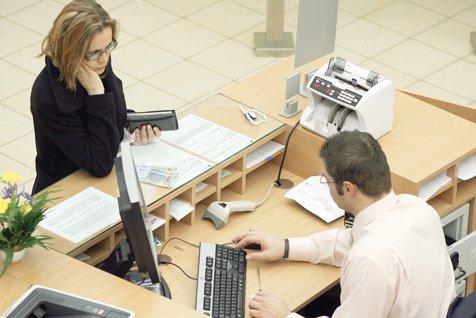 Indicele ROBOR înregistrează scăderi la toate categoriile de scadenţe