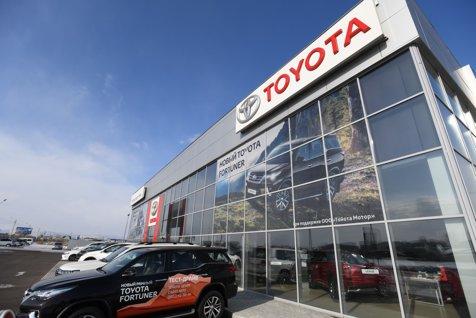 TOYOTA recheamă peste un milion de maşini hibrid. Pericol de INCENDIU la instalaţia electrică. Care sunt modelele vizate în România