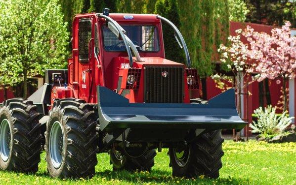 Tractor agro-forestier produs la IRUM Reghin