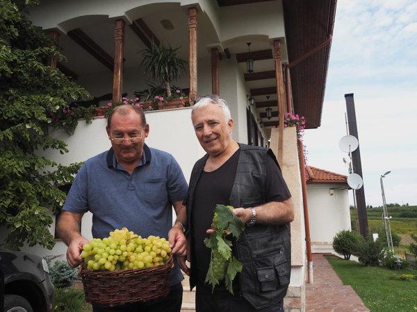 Mugur Isărescu recoltă struguri 2018