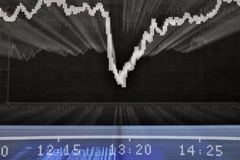 Criza economică din 2008 arată ALTFEL acum: Tăriceanu, Isărescu sau bancherii NU ŞTIAU ce va urma. Cum ne-au salvat multinaţionalele