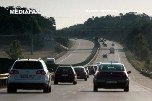 BLOCAŢI ÎN TRAFIC: Avem 6 milioane de maşini la 763 km de autostradă. Peste un milion, doar în Bucureşti. Află de ce SĂRĂCEŞTE România din cauza infrastructurii