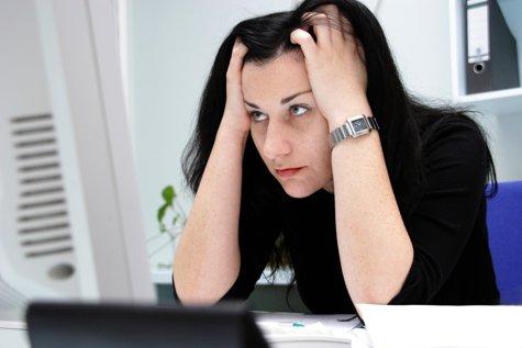 Ce fac românii în prima zi DUPĂ VACANŢĂ şi cum înfruntă DEPRESIA post-concediu