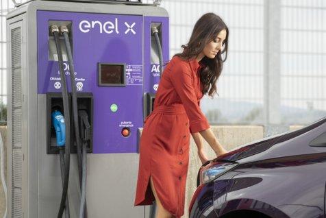 Enel va instala 2.500 de puncte de încărcare pentru MAŞINI ELECTRICE