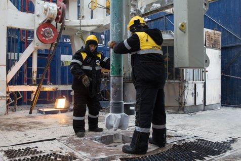 OPEC a pierdut controlul. Cei TREI oameni care decid PREŢUL PETROLULUI au interese DIVERGENTE