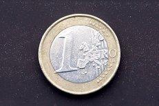 Raportul de adoptare a monedei EURO va fi pus la dispoziţia Comisiei săptămâna aceasta. Dăianu: Recomand anul 2026
