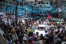 Sfârşitul producătorilor INDIVIDUALI de automobile se apropie. ALIANŢA dintre Volkswagen şi Ford scoate la iveală FRĂMÂNTĂRILE industriei auto