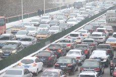 Mai mulţi producători de automobile suspectaţi că au MANIPULAT testele de POLUARE. Ce modele DIESEL vor fi rechemate