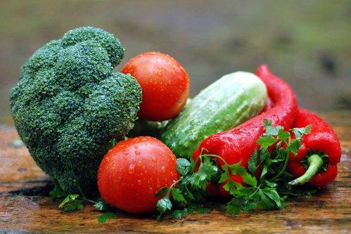 Ministerul Agriculturii anunţă că legumele româneşti nu au concentraţii de pesticide peste limite