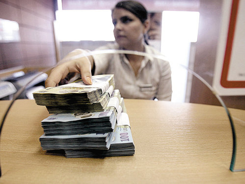 Mai mult de jumătate din creditele acodate de bănci sunt concentrate în cele mai mari şase judeţe