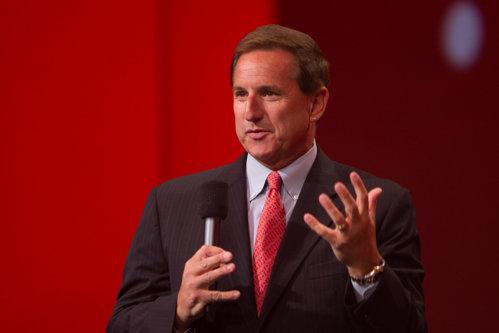 Directorul general al Oracle, Mark Hurd, a decedat