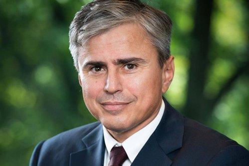 Avocatul Gabriel Biriş: Când vorbim despre privilegii să nu ne bucurăm că suntem şmecheri, pentru că vor apărea nişte şmecheri mai mari. Golanii mari care fac legile, pun capcane golanilor mici care le încalcă