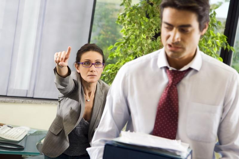 Top 5 lucruri pe care trebuie să le faci ca să-ţi păstrezi locul de muncă. Ghid de supravieţuire pentru angajat pe timp de criză