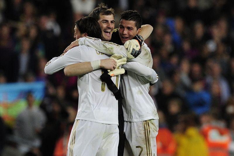 Ce se �nt�mpla cu tricourile v�ndute de Real Madrid dupa ce echipa a c�stigat Campionatul Mondial al cluburilor