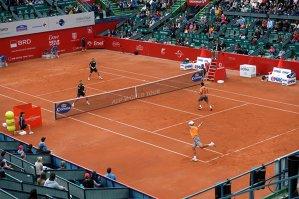 Ion Ţiriac vrea să vândă turneul de tenis de la Bucureşti: Se prăbuşeşte tribuna peste noi