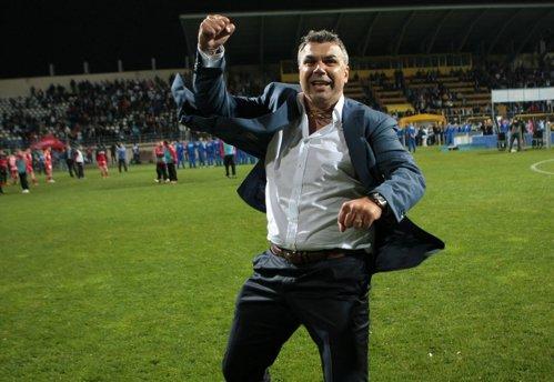 Cosmin Olăroiu a mai dat o lovitură în Emirate
