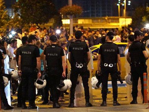 """Un stelist, în mijlocul TRAGEDIEI de la Istanbul: """"Au murit..."""""""