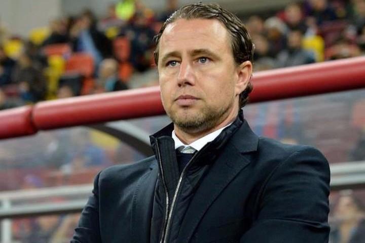 Reacţia lui Reghecampf, acuzat că bea o sticlă de vodcă înainte de fiecare meci: ''S-a ajuns prea departe, să fim serioşi''