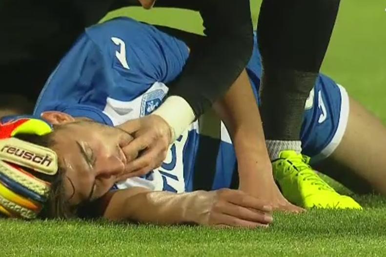 """Fotbalul românesc, aproape de o tragedie. Portarul Stelei l-a salvat pe cel mai promiţător jucător al Craiovei: """"Îi mulţumesc că mi-a scos limba, leşinasem"""""""
