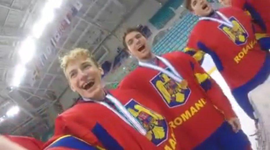 Juniorii României la hochei pe gheaţă au cântat imnul secuiesc, după câştigarea unei grupe la Campionatul mondial