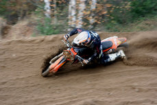 Pilotul de motocross Igor Cuharciuc a murit într-o cursă în Cehia. Avea doar 14 ani