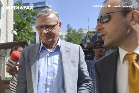 """Mircea Sandu rămâne cu sechestru pe avere în dosarul """"Mită pentru avocaţi"""""""