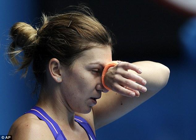 Simona Halep a abandonat meciul cu Ekaterina Makarova din sferturile turneului de la Washington